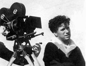 http://cinesperienza.altervista.org/varie/Chaplin15.jpg